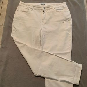 Jessica Simpson White relaxed skinny crop -Size 14